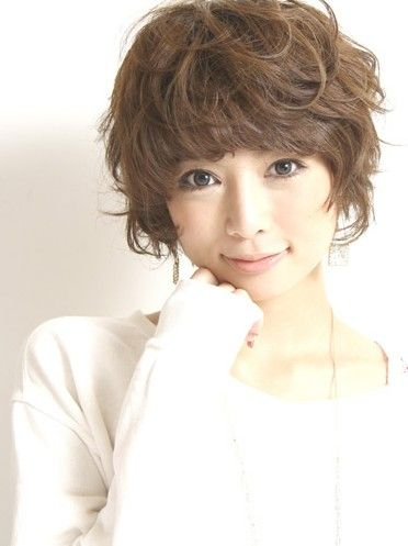 Japanese Girls Hairstyle: Cute Curly Japanese Hairstyle ~ findmyhairstyle.com Asian Hairstyles Inspiration