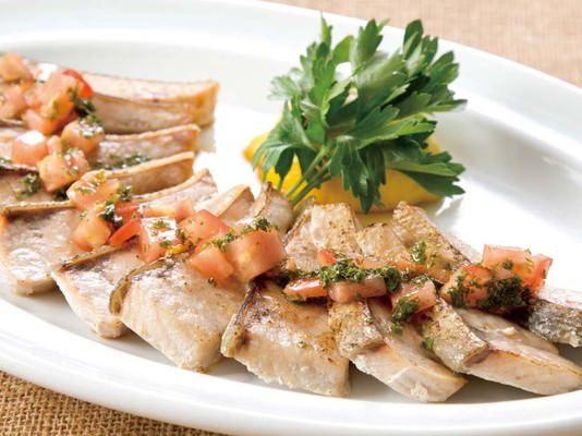 カナダ料理「サーモンのグリル メープルシロップソース」