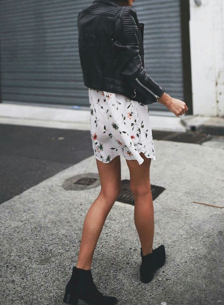 Black Fall Boots With Leather Jacket Designs That Will Rock Your Style