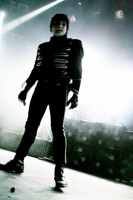 Rocking The Black Parade uniform <3