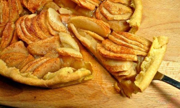 H πιο εύκολη μηλόπιτα που φτιάξατε ποτέ!