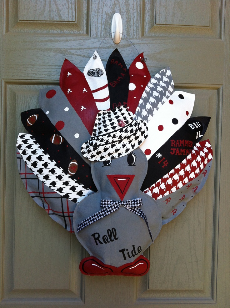 A new twist on the turkey door hanger.  Great idea just need to do a different team!