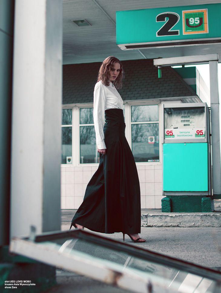 highwaisted pleated pants by ASIA WYSOCZYŃSKA #Photo: Daniel Korzewa