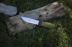 Mora 2000 Outdoor Fixed Blade Survival Knife Review | More Than Just Surviving | Survival Blog | Preppers & Survivalists | Gear & Knives