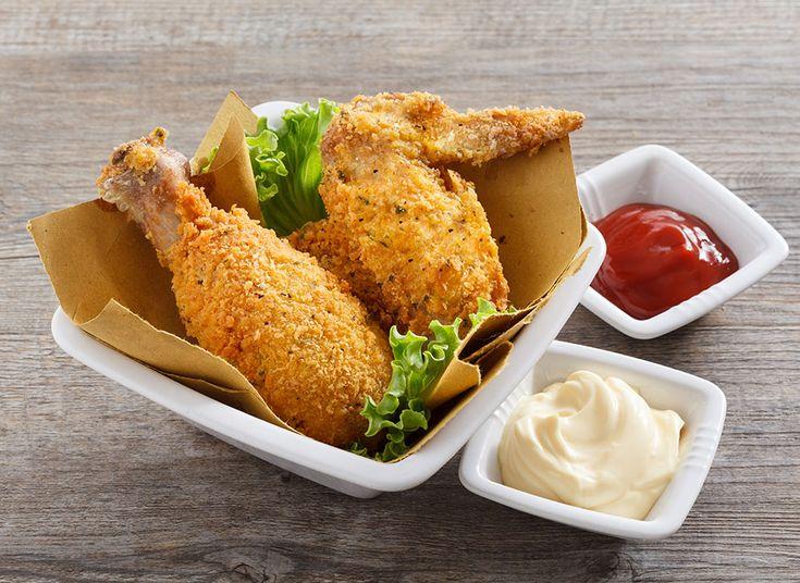 Pollo croccante speziato fritto. Quattro parole che solo pronunciate insieme fanno venire l'acquolina in bocca. Se poi sono fritte nell'olio giusto… è impossibile resistere.