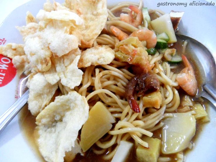 Mie Rebus from Mie Atep. Review at http://gastronomy-aficionado.com/2012/05/03/mie-belitung-atep/