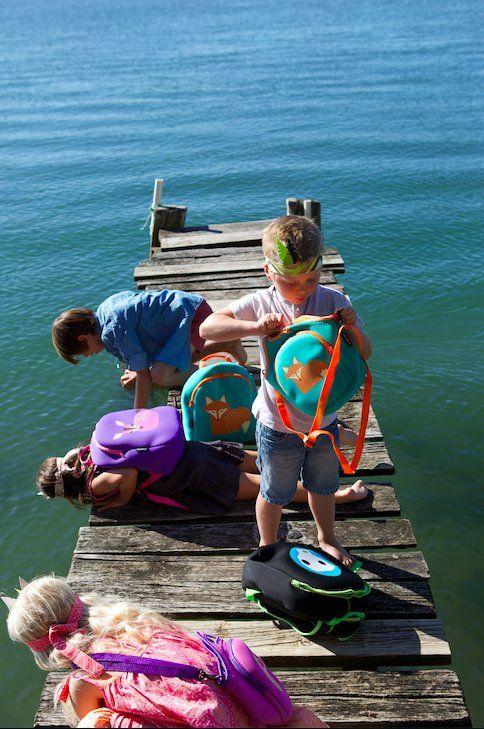 Adatto a bambini in età prescolare. Perfetto in ogni occasione: gita, pic-nic o semplicemente al parco giochi.