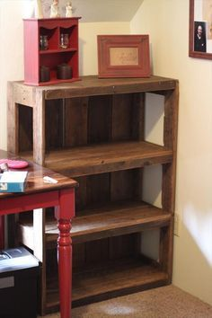 DIY Wood #Pallet #Bookshelf Tutorial | 99 Pallets