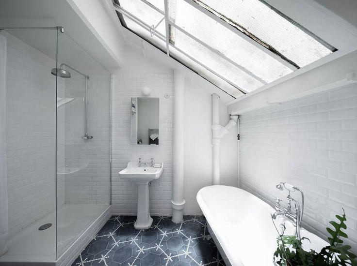 bath skylight / septembre architecture.
