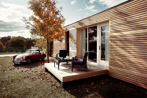 a modern prefabricated home with a substantial low ecological impact, at a very accessible price, and assembled in only 5 hours