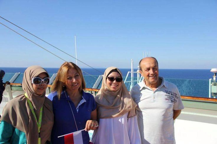 kak Dian, Ketemu dengan President Director di kpl Cruise ga dsia2kan minta foto buat inspirasi affirmasi  Ibu Ozgul Cingil, president director dari Turkey  #OriflameID #GoldCruiseORIFLAME2014 #dBCNatGoldCruise