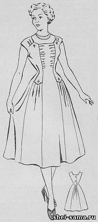 Платье с проходным клином и драпировкой в его верхней части