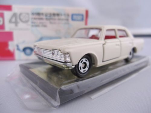 TOMICA-40TH-ANNIVERSARY-TOYOTA-CROWN-SUPER-DELUXE-1-65-TOMY-DIECAST-CAR-NEW-F-S