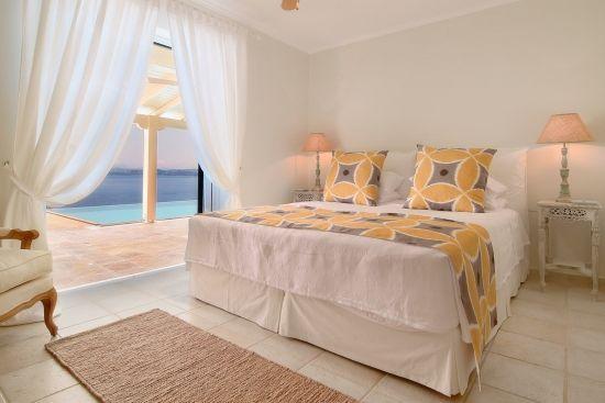 Villa Domina – Bedrooms & Bathrooms