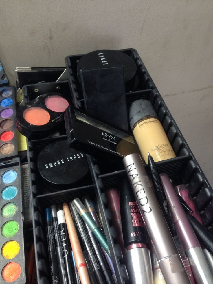 Make up kit for today !