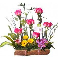 Ramo ELIPTICO - Precio $116,000   Regale los más exclusivos Arreglos Florales de Bogotá en http://www.BodegonDeLasFlores.com