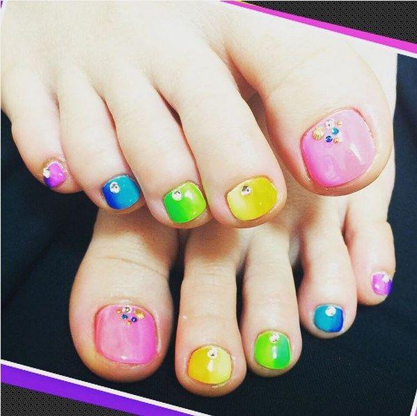 28 wonderful toenail designs for this summer