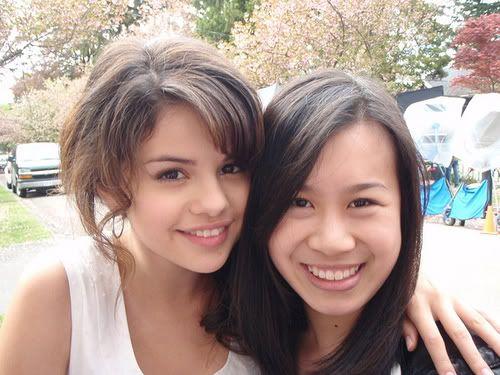 Rare Selena picture. She's so pretty.