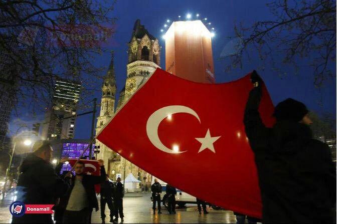"""🔸 ترکیه """"ویکیپدیا"""" را بلاک کرد! 🔻صبح روز یکشنبه مقامات ترک به دلیل محتوای مضر برای  امنیت ملی این کشور سایت اطلاعاتی """"ویکیپدیا"""" را مسدود کردند.  __________  #ترکیه #ویکیپدیا #فیلتر #مسدود #محتوا #دونامال #turkey #wikipedia #filter #block #content #donamall"""
