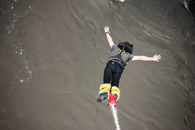 bungee-jumping-victoria-falls