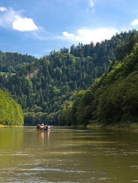 The Pieniny National Park, Een memorabele vlot-tocht over de Dunajec. Rafts on Dunajec River, Pieniny Mountains.
