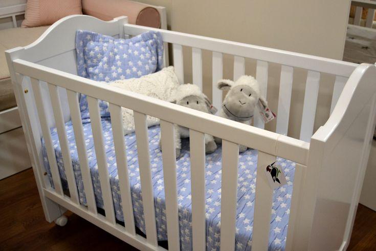 Preciosa cuna clásica para tu bebé disponible en nuestro catálogo de Cunas y Minicunas. Dormitorios infantiles de ensueño con El Pájaro Carpintero