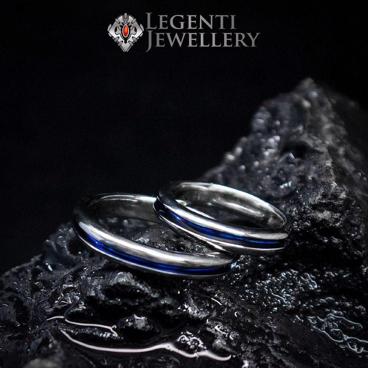 Изделие: обручальные кольца с полосой Титан, ручная работа #LegentyJewerelly #титан #ювелирноедело #своимируками #ручнаяработа #ручками #сделаномной #кольца #титановыекольца