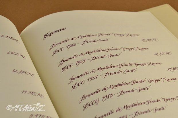 vinný lístek -  ručně psané písmo v tisku