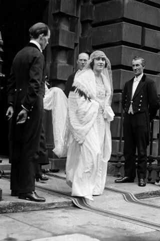 APRIL 1923 – Lady Elizabeth Bowes-Lyon (later the Queen Mother) leaving her home to marry King George VI in Westminster Abbey in London.