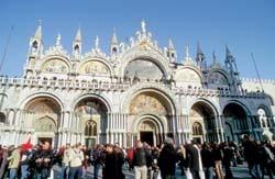 Plaza de San Marcos, Venecia, Italia  (nos la recomienda María Feás)