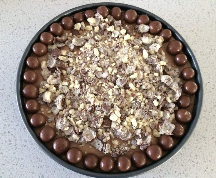 Recipe No Bake Toblerone and Malteser Cheesecake by Melly1322 - Recipe of category Desserts & sweets
