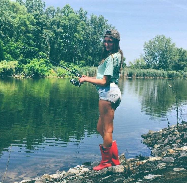 1000 images about fishing girls on pinterest for Country girl fishing