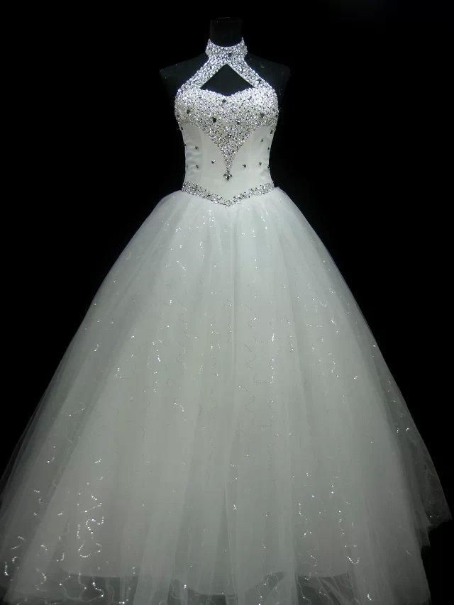 Let charming cheap plus size wedding dresses on DHgate.com get your heart. Besides, cheap wedding dress and cheap wedding dresses online are also winners. new halter neck beaded crystal ball gown wedding dress lace up white bridal dress real photo belong to you and sarawedding can cheer you up.