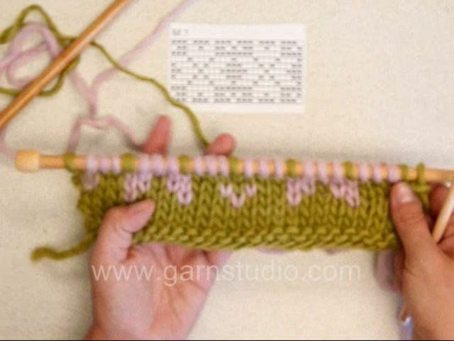 DROPS knitting Tutorial: How to knit fair Isle - 2 color knitting - continental. Not in English but easy to understand