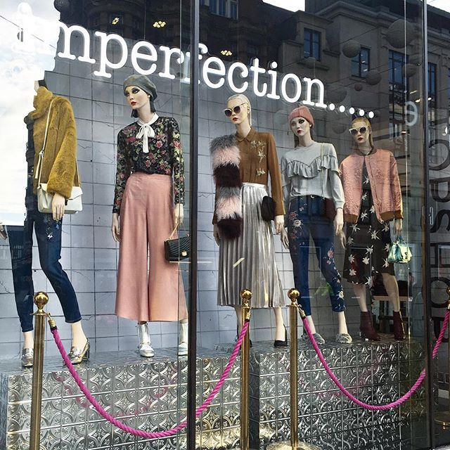 WEBSTA @ florencebridge -  SPOTTED  @topshop flagship #oxfordstreet store window display  the SERENA SCARF  #mongolianlambswool #stripes #goodmorning #popup #topshop #FLORENCEBRIDGEXTOPSHOP #VM #windowdisplay #happy #shearling #responsiblysourced #madeinengland
