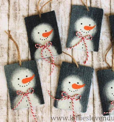 Snowman Christmas gift tags from denim jeans - repurpose // Hóemberes ajándékkísérő kártyák farmerből - kreatív újrahasznosítás // Mindy - craft tutorial collection