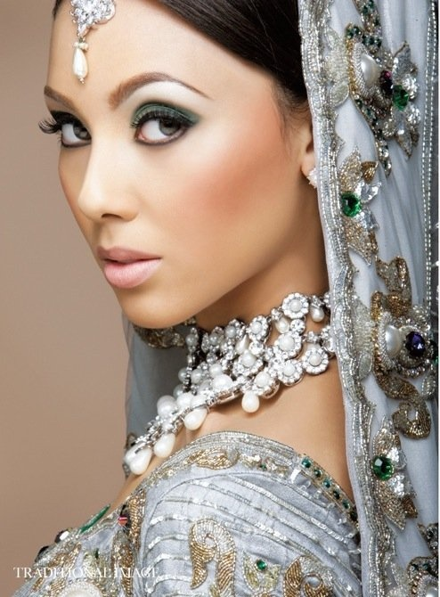 MUA by:Kaniz Ali / I honestly cant believe how pretty these Indian brides are. Its not just the face...but the dress, jewelry, everything. So nice. I like the fact that they keep theirj traditions
