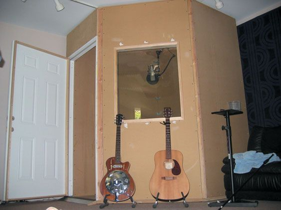 - A Novice Builder's Vocal Booth : Recording Magazine -