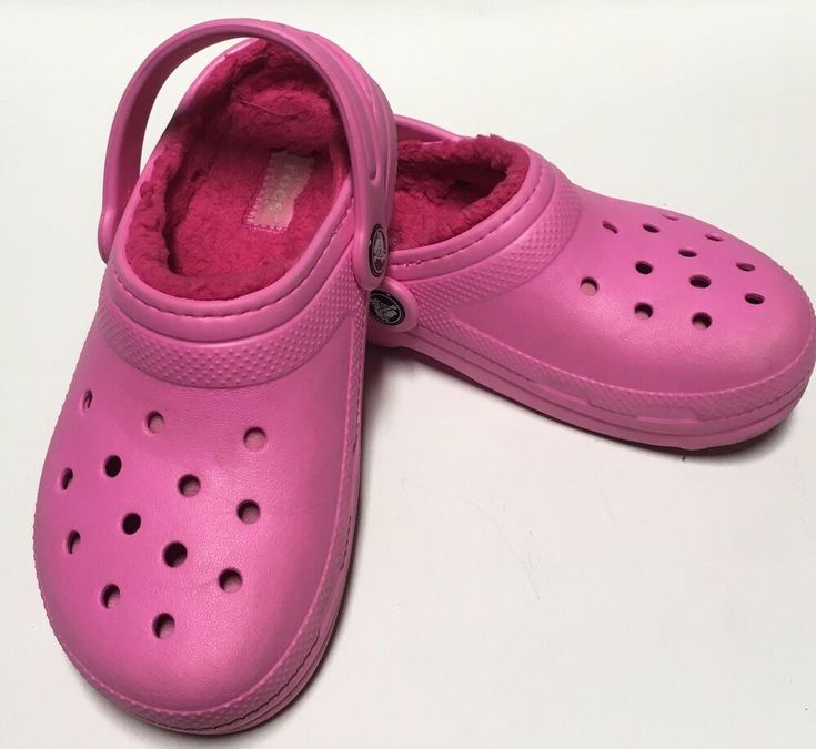 Classic pink dual comfort crocs with fur lining size j1 or