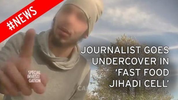 """Kaget Saat Menyusup ke ISIS Jurnalis Perancis : Simpatisan ISIS Ternyata Tak Paham Islam  Republik.in CNN Indonesia - Seorang jurnalis asal Perancis berhasil menyusup dan berbaur bersama dengan para simpatisan ISIS dalam jaringan teror bawah tanah di Paris. Pengalaman jurnalis Muslim itu mengejutkan karena menurut dia para simpatisan ISIS itu sama sekali tidak paham soal Islam. Jurnalis yang menggunakan nama samaran Ramzi ini mengaku """"tidak melihat Islam"""" selama enam bulan menyamar dalam…"""