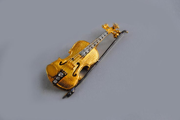 Trending in my shop today⚡️ Violin Brooch Silver - 925 Silver Hanmdade Violin Brooch - Yellow Gold Plated - Music Jewellery - Free Standart International Shipping https://www.etsy.com/listing/504557009/violin-brooch-silver-925-silver-hanmdade?utm_campaign=crowdfire&utm_content=crowdfire&utm_medium=social&utm_source=pinterest