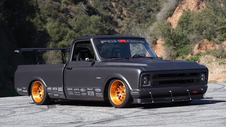 Chevy C10 R – Race Truck