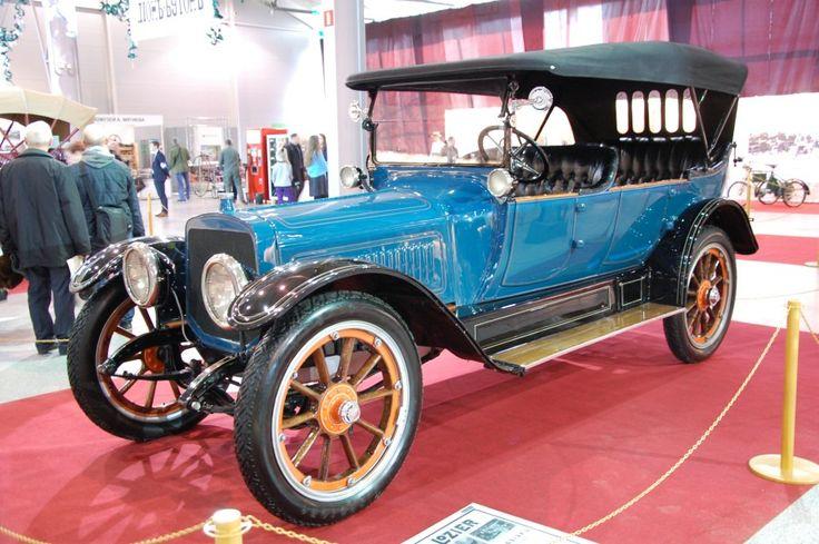 Забытая американская марка «Лозьер». Фары электрические, руль слева, внешняя форма уже ближе к моде 20-х годов.