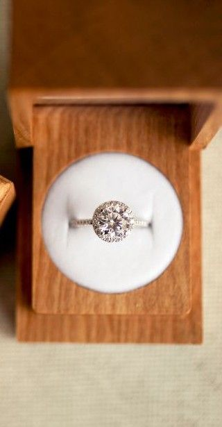 Love this unique engagement ring box from Brilliant Earth