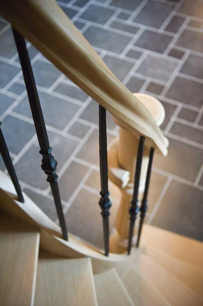 Detail eiken trap met smeedijzer ontwerp leen jacobs landelijk pinterest - Railing trap ontwerp ...