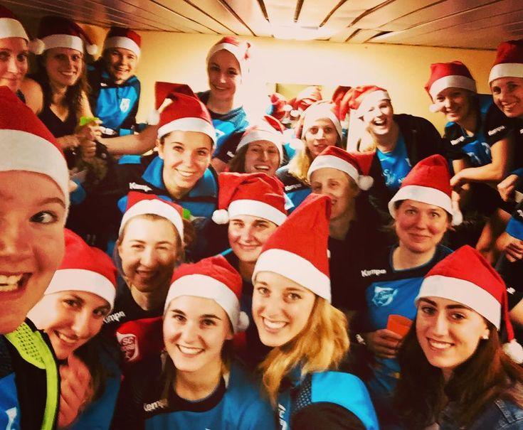 Zu NULL in die Winterpause #sck #handball #froheweihnachten #fsg #korb #zipfelmützen #zweiunzwanzigzunull #sieg #derbysieger #weihnachten #bienenstich