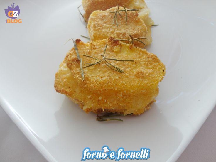 Le patate ripiene croccanti al forno sono una ricetta leggera e semplice da preparare: in forno assumeranno una consistenza croccantissima!