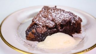 Clinton Kelly\'s Flourless Chocolate Cake