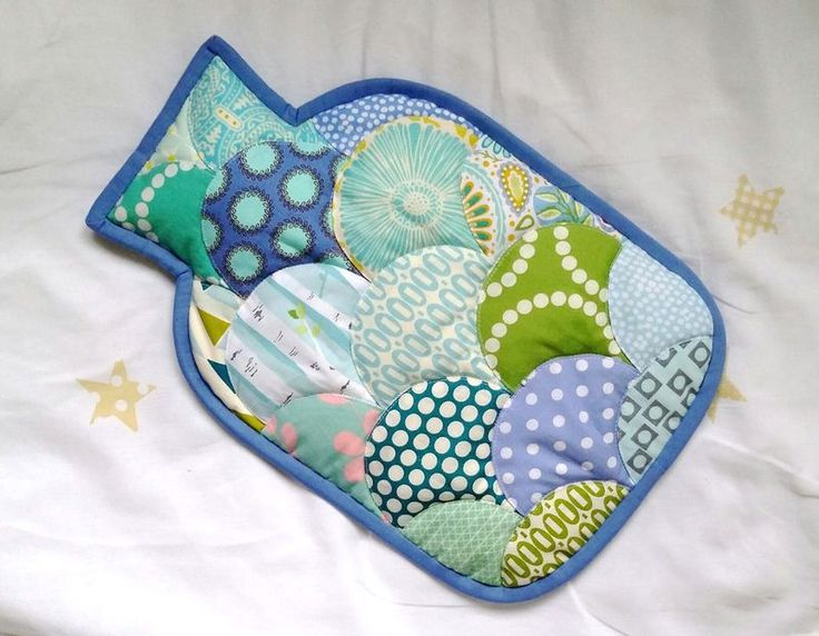 Free pattern & tutorial @ Two Owls Design: How to sew a clamshell hot water bottle cover