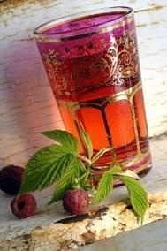 RASPBERRY LEAF Tea ~ Benefits: sore throat, gum disease, dehydration, lowers blood sugar, flu, nausea, fever, skin firmness, libido, beast milk: Teas Benefits, Red Raspberries, Leaf Teas, Blood Sugar, Drinks Recipes, Teas Recipes, Raspberries Leaf, General Tonic, No Carb Recipes